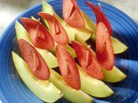 Melonenspalten mit Wurst