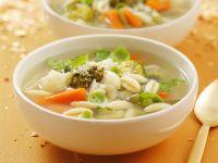 Minestrone mit Pesto und Parmesan