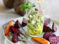 Möhren und Rote Bete aus dem Ofen mit Eier-Kapern-Salat