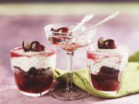 Mohncreme mit Weintrauben