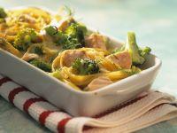 Nudelgratin mit Lachs und Brokkoli