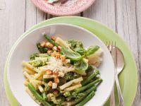 Nudeln mit Bohnen und Pesto
