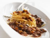 Nudeln mit Fleischsoße (Bolognese)