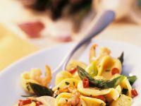 Nudeln mit Shrimps und Spargel