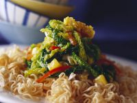 Nudeln mit Tofu-Gemüse