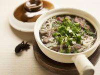 Nudelsuppe auf vietnamesische Art