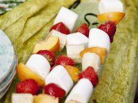 Obst-Marshmallow-Spieße