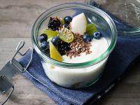 Obstsalat mit Sojajoghurt