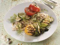 Pangasius vom Grill mit Gemüse und Dillpesto