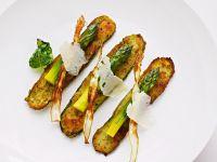 Panierte Zucchini mit Spargel