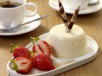 Panna cotta mit Balsamico-Erdbeeren