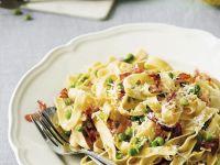 Pasta mit Erbsen und Speck