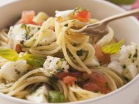 Pasta mit Mozzarella-Tomatensauce