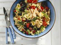 Pasta mit Thunfisch und sommerlichem Gemüse