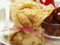 Pfannkuchen mit Kirschen