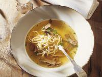 Pfannkuchen-Rindfleisch-Suppe