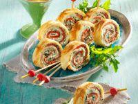 Pfannkuchenröllchen Rucola-Frischkäse und Lachs