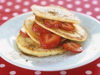 Pfannküchlein mit Erdbeeren