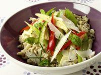 Pilaw mit Gemüse und Parmesankäse