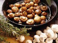 Pilzpfanne mit Kräutern der Provence