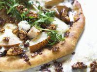 Pizza mit Birne und Käse