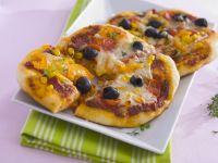 Pizza mit Gemüse und Käse