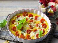 Quiche mit Polenta, Zwiebeln, Kirschtomaten und Gorgonzola