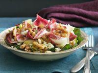 Radicchio-Nusssalat mit Käse