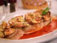 Ravioli mit Garnelen und Tomatensauce