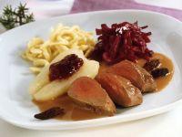 Rehrücken Baden-Baden mit Morcheln, Rotkraut und Spätzle