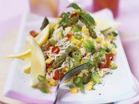 Reis-Gemüsesalat mit grünem Spargel
