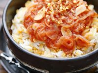 Reis, Nudeln und Lisen mit Tomatensauce