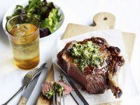 Rib Eye Steak mit Anchovie-Kapern-Butter