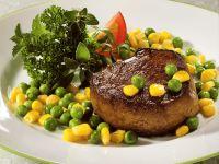 Rinderfilet mit Erbsen-Mais-Gemüse