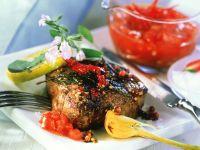 Rindersteak mit Tomatensoße