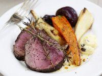 Roastbeef mit Wurzelgemüse und Bearner Soße
