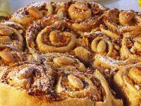Rosenkuchen mit Apfel-Nuss-Füllung