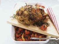 Rosmarin-Lammbraten mit Tomaten