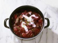 Rote Bete-Suppe nach russischer Art (Borschtsch)
