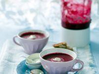 Rote-Rüben-Suppe mit Meerrettichcreme