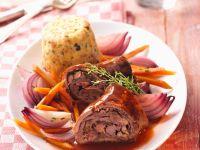 Roulade mit Karotten und Zwiebeln