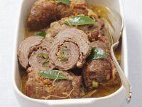 Rouladen vom Rind mit Pancetta und sauren Gurken
