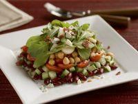 Salat mit Kichererbsen, Bohnen und Rucola
