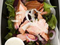 Salat mit Lachs und Roter-Bete