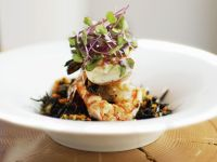 Salat mit Shrimps und Kresse