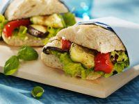 Sandwich mit gegrilltem Gemüse