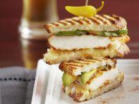Sandwich mit Hähnchen und Avocado