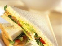 Sandwich mit Lachs und Avocado