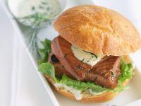 Sandwich mit Lachs und Dill