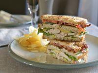 Sandwiches mit Speck und Hähnchen